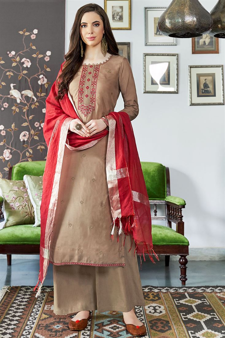 Gracefull BeigeViscos Muslin Fabric Salwar Suit With Embroidery Work